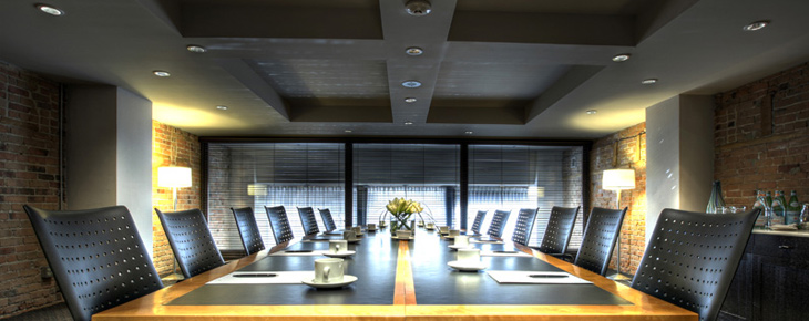 Le place d 39 armes h tel suites montr al informations for Equipement de restaurant montreal