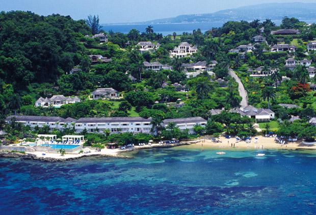 Round hill jama que la destination favorite des stars - Villa de reve pineapple jamaique ...